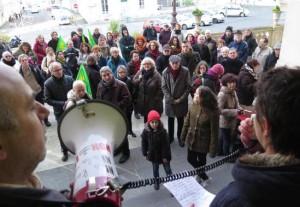 Deux Sèvres, Niort: Les anti-Linky devant l'hôtel de ville